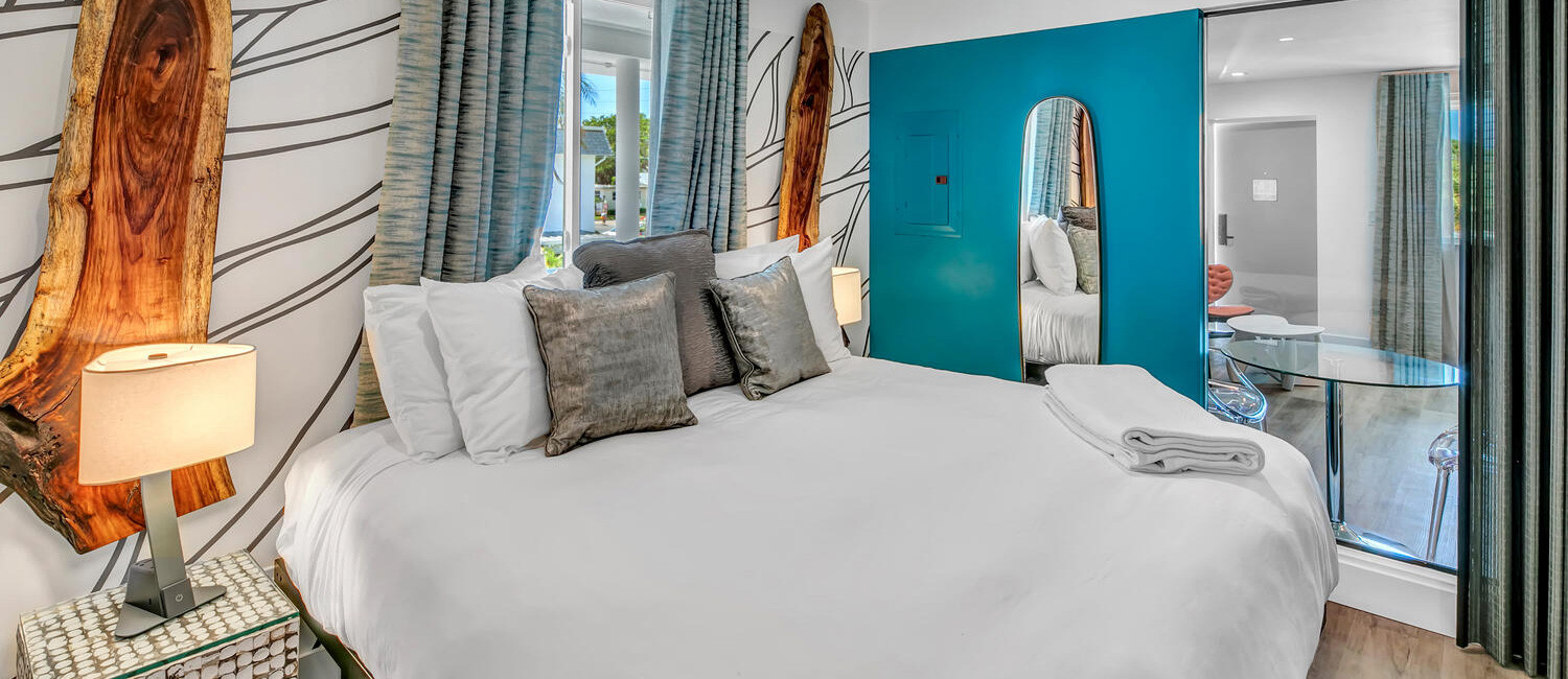 REJUVENATE IN WELL-APPOINTED GUEST ROOMS AT THE SAINT HOTEL